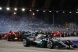 Хемілтон переконливо виграв Гран-прі Сінгапуру і збільшив відрив від Феттеля в загальному заліку