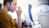 Блогеры поделились возможность пить собственный алкоголь в самолете