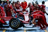 Ferrari: «Найкращі побажання всім вам. З майбутніми святами!»