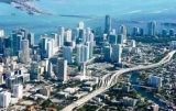 Коло по трасі в Майамі – через міст і вздовж хмарочосів. Відео симулятора